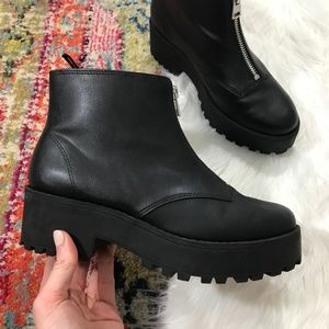 H&M • NWOT Front Zip Chunky Ankle Boots
